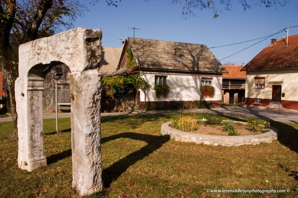 Predgrad village pillar of shame (Prangar)